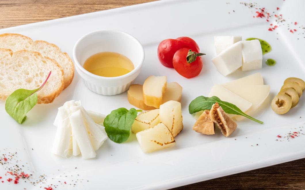 美山産チーズ 5種盛り合わせ
