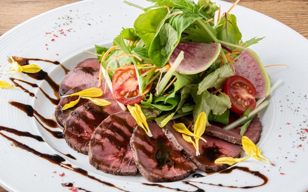 冷製鹿肉のロースト サラダ仕立て